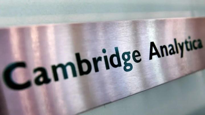 Cambridge Analytica termina attività dopo scandalo FB