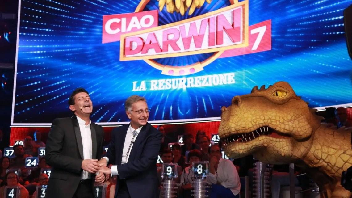 """""""Ciao Darwin – Terre Desolate"""", da domani l'ottava edizione su Canale 5"""