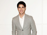 darren-criss-people-s-choice-awards-2014-nominations-18
