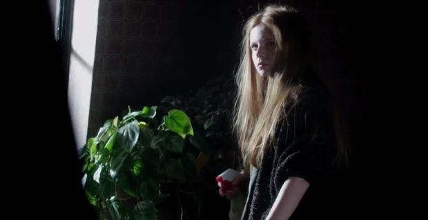 Gotham-Premiere-Poison-Ivy-Cameo