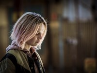 21384-The_Daughter_3_-_Odessa_Young_-_credit_Mark_Rogers