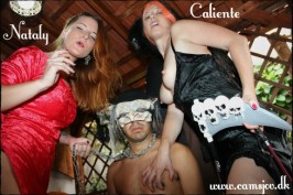 Halloween dominans med Nataly og en slave