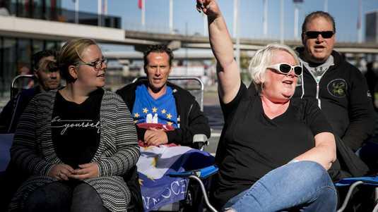 Fans van U2 bivakkeren voor de Ziggo Dome sinds woensdag