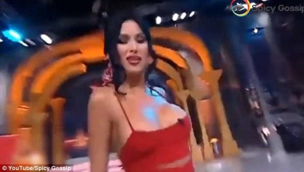 """1-218-380x233 """"U del gjoksi duke vallëzuar në transmetim live (Foto/Video, +16)"""" plus 3 more Telegrafi Dështime"""