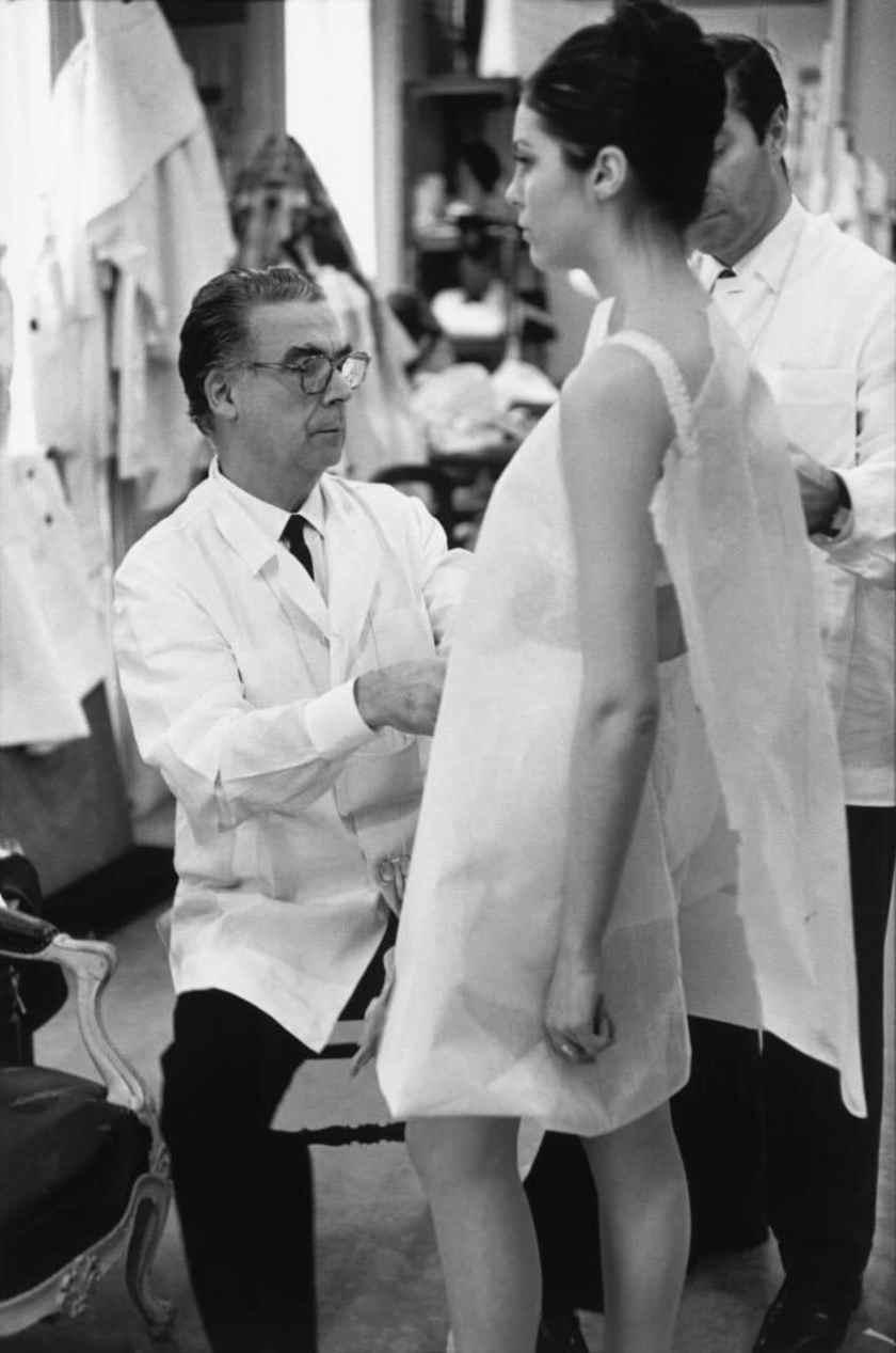 Cristóbal Balenciaga at work, Paris (1968)