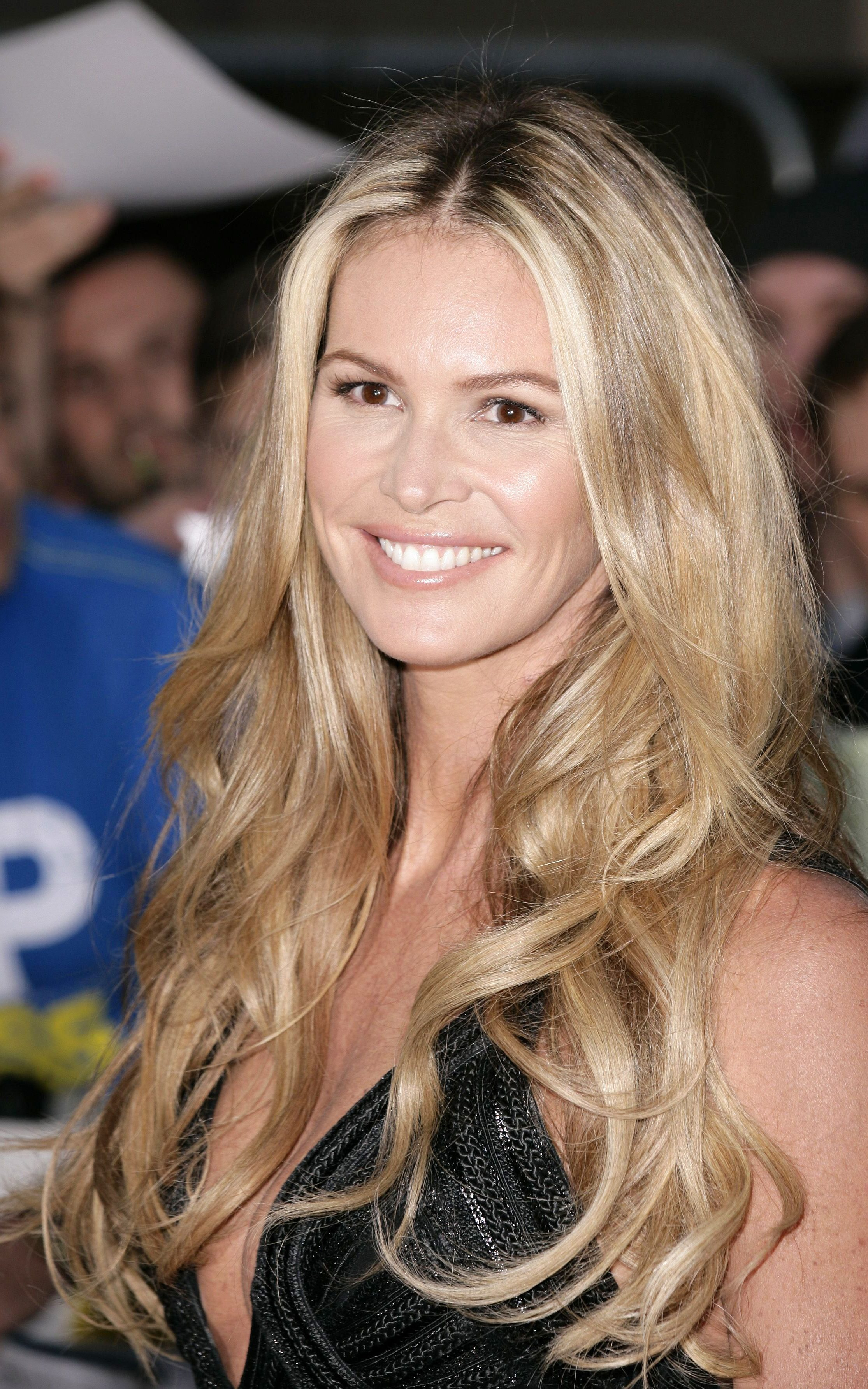 Iconic Hairstyles Elle MacPherson The Most Iconic