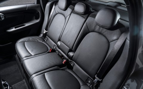 Mini Countryman S E rear seats