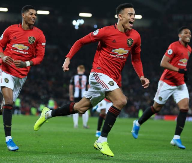 Manchester United Finally Flourish In Possession With Commanding