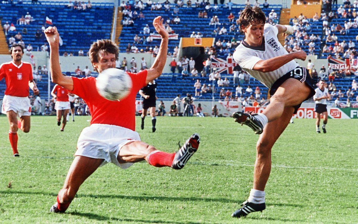 Gary Lineker shoots against Poland in the 1986 World Cup