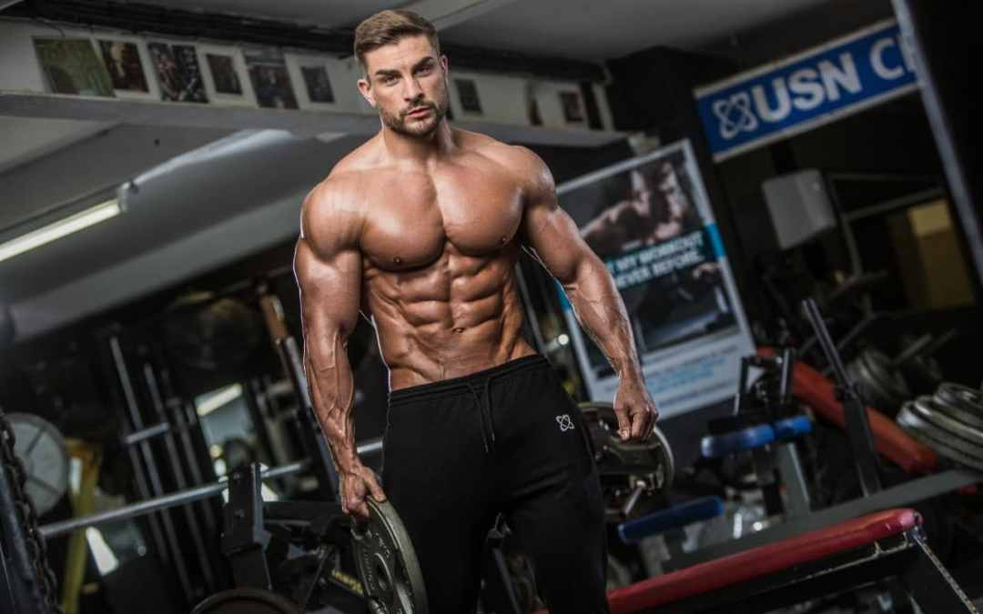 8 Tips On How To Bulk Up For 2018 From A Mr Olympia Finalis