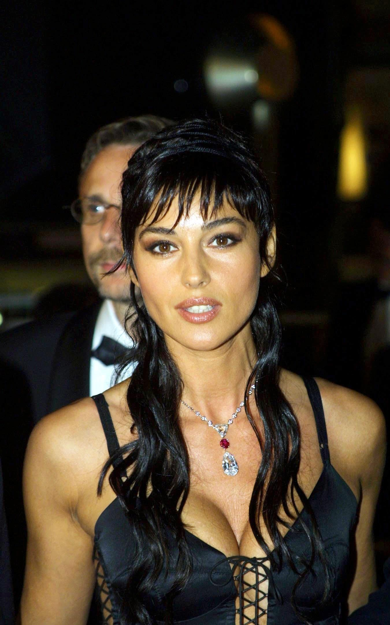 Monica Bellucci Cannes In 2002 The Best Jewellery At The