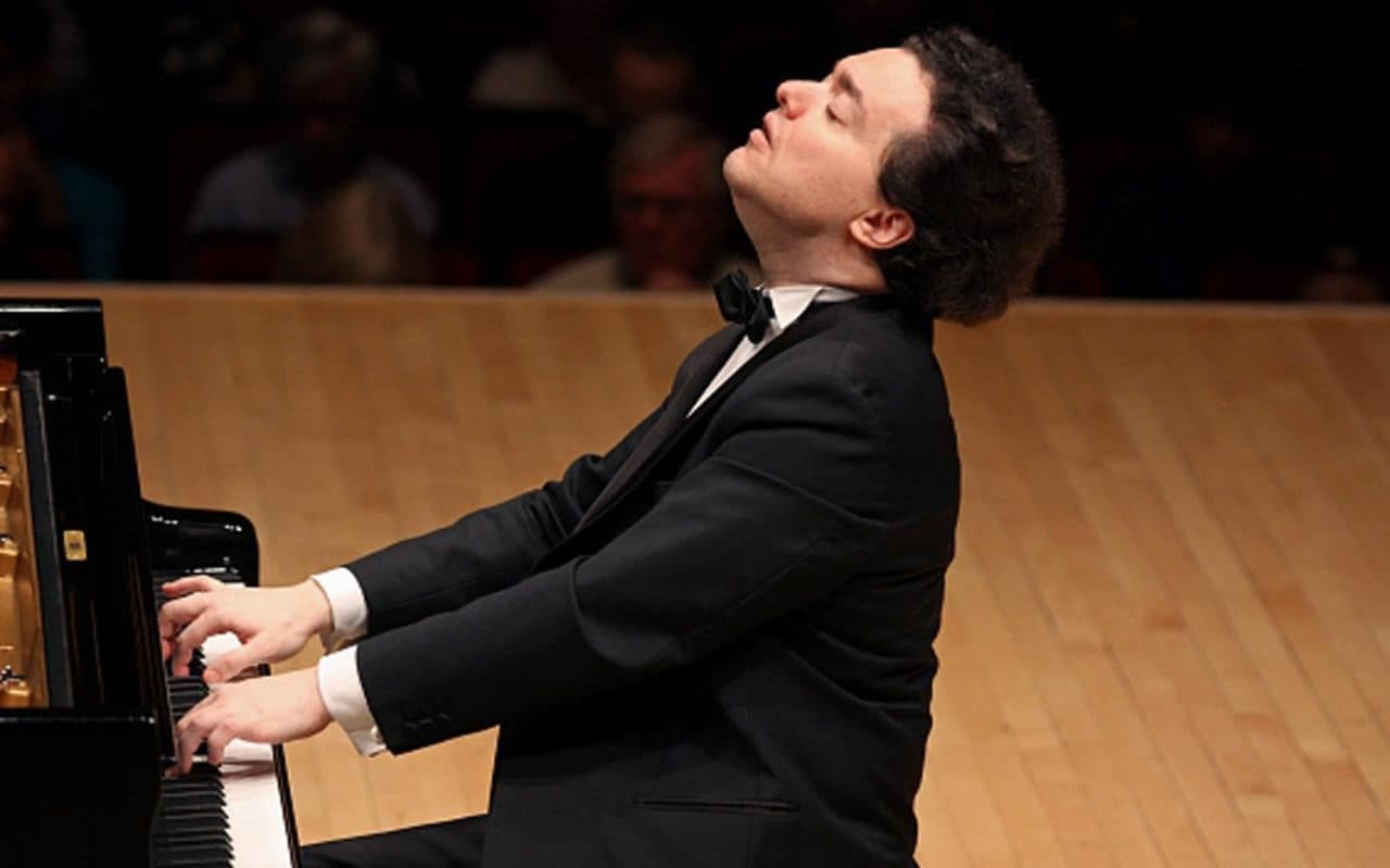 Evgeny Kissin A Rare And Miarculous Piano Legend At Work
