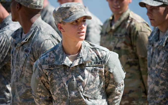 first woman in us army qualifies to lead troops in battle