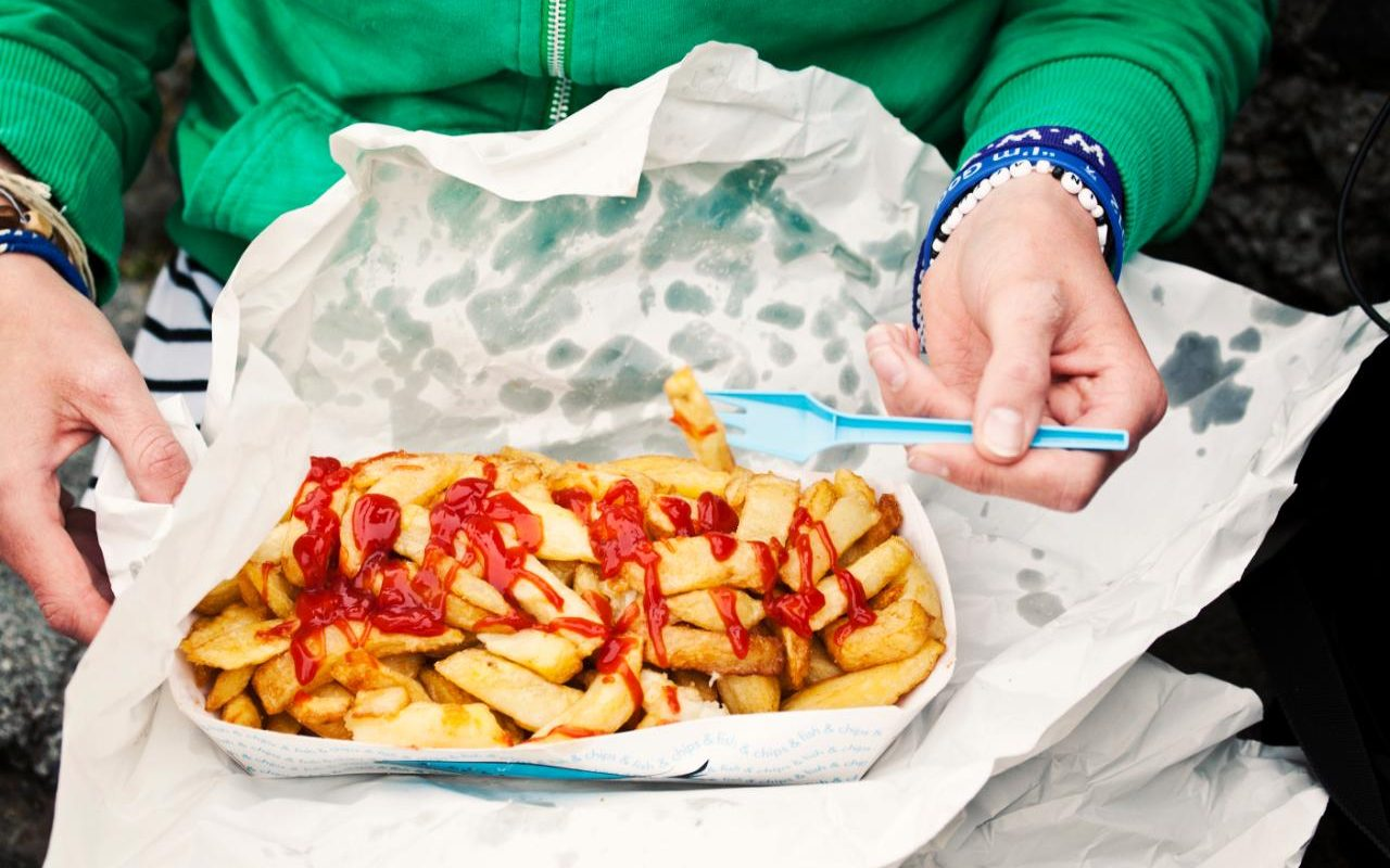 Calls For War On Junk Food Ads As Obesity Costs Set To Rise By 60 Per Cent