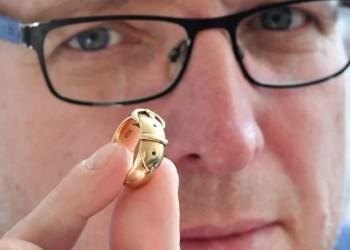 Oscar Wilde ring 'stolen in Hatton Garden heist' found by art detective
