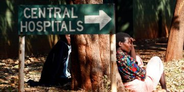 Zimbabwe docs' strike ends after help from tycoon