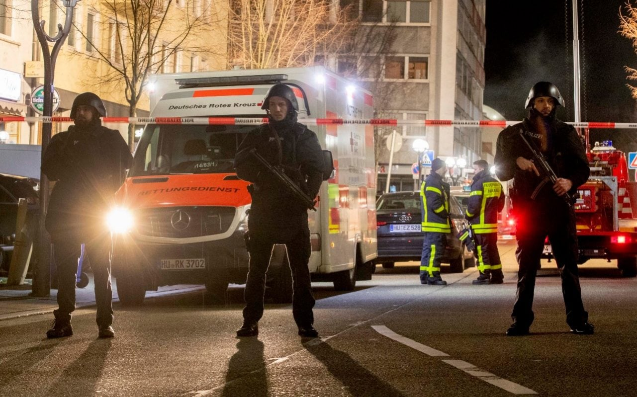 Hanau taking pictures: Police search for gunmen after eight killed at shisha bars in Germany