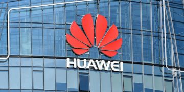 Trump appears to scale back threats of scuppering trade deal if Britain opts for Huawei's 5G network