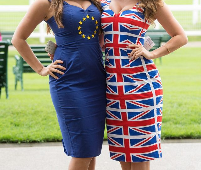 Referendum Girls Holly Peers L And India Reynolds