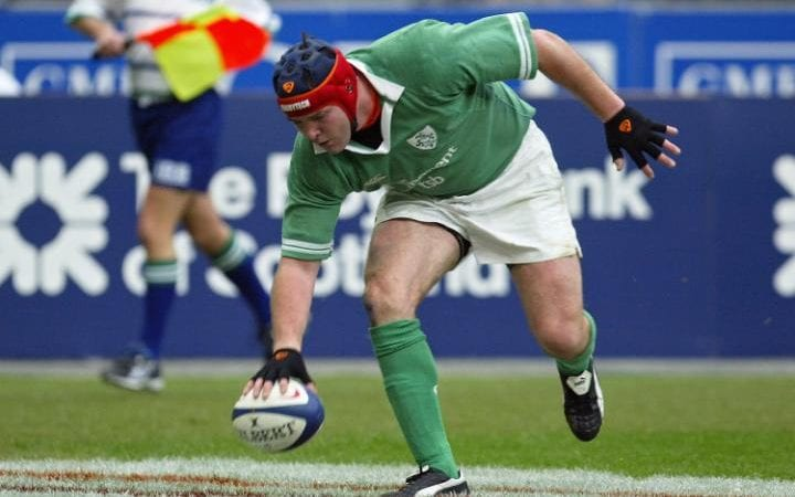 Anthony Foley scores a try during the Six Nations rugby union match between France and Ireland in 2004 - Anthony Foley's sudden death unites rugby in mourning