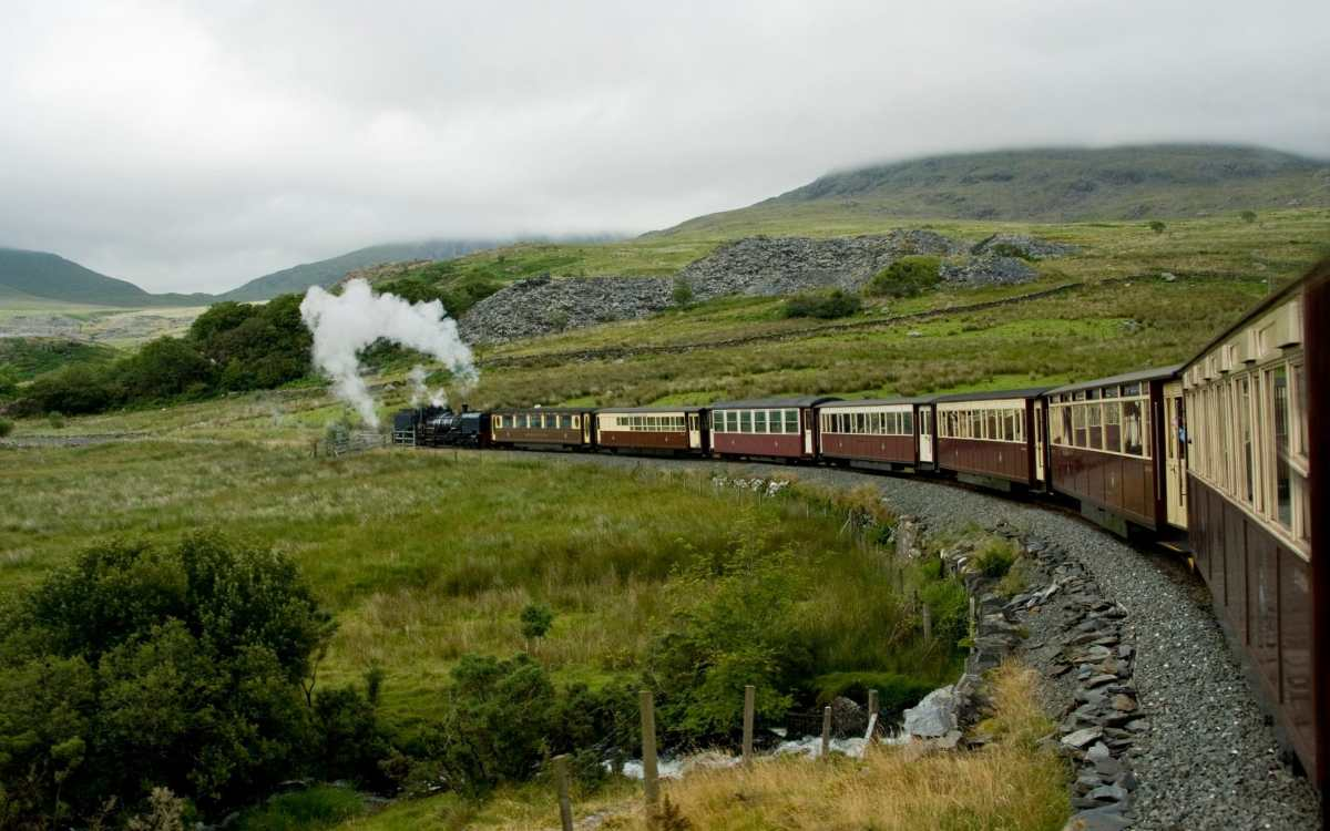 , The UK's best railway journeys for scenic views, The Evepost BBC News
