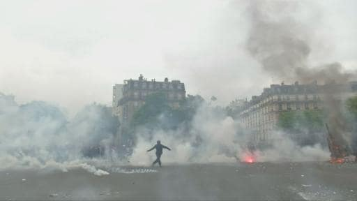 Violent clashes between police and protestors in France