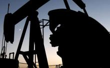 Oil prices rebounded as investors anticipated the approval of the US bail-out package