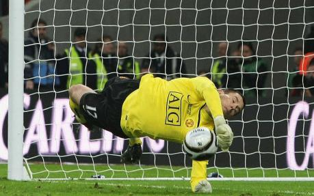 Foster makes Carling Cup final penalty save