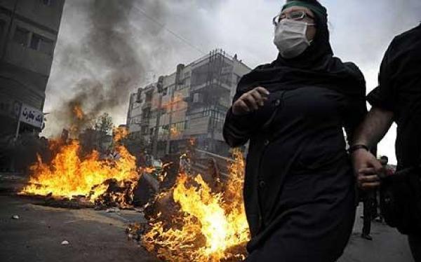 https://i2.wp.com/www.telegraph.co.uk/telegraph/multimedia/archive/01423/iran-revolt_1423225c.jpg?resize=600%2C374&ssl=1