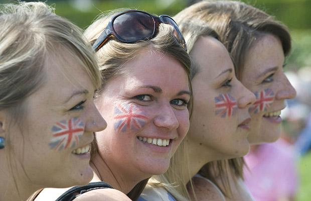 Danielle Morgan, 26y, Katherine Tinker, 25, Rebecca Griffin, 26, and Lucy Goldswaine, 27, wait to cheer on Andy Murray,  June 23, 2009.