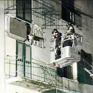 crollo balcone a Masone