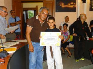 il sindaco premia Dieni Laurente