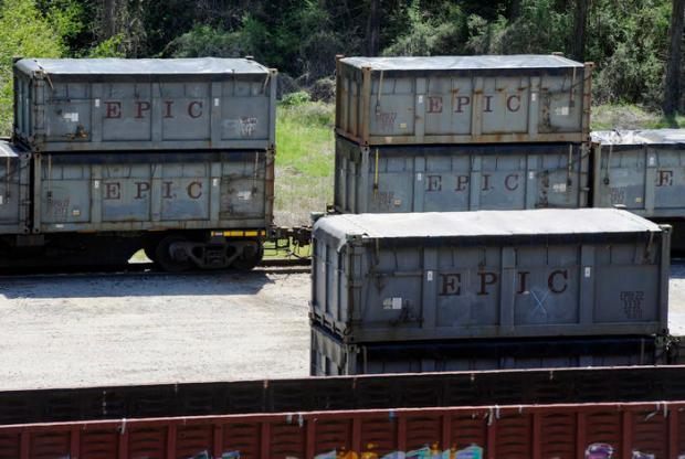 Tren con residuos estacionado en Parrish (Alabama) el 12 de abril.