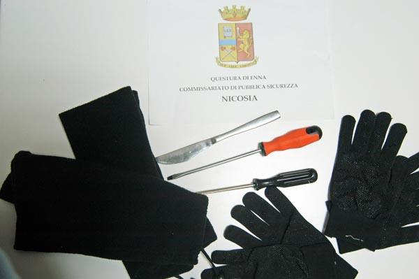 Nicosia, denunciate dalla Polizia tre persone per possesso ingiustificato di oggetti atti allo scasso