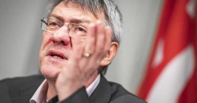 Blocco licenziamenti, botta e risposta Conte-Landini
