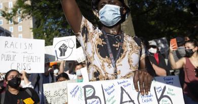 Floyd, da New York a Washington in migliaia contro il razzismo