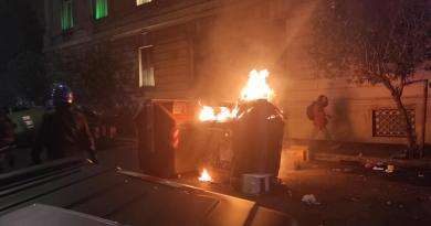 Guerriglia in piazza del Popolo a Roma, denunciati in 16