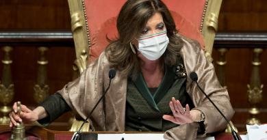 Governo, fiducia in Senato. Caos su voto Ciampolillo