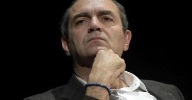 """""""De Magistris che ne sa della Calabria?"""", coro di no contro candidatura"""