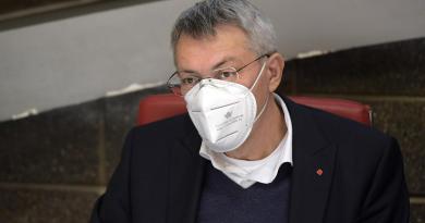 """Contratti, Landini a Confindustria: """"Serve aria nuova"""""""