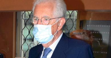 """Crisi governo, Monti: """"Annuncio mio voto di fiducia"""""""