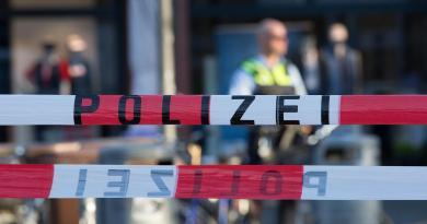 Germania, attacco con coltello a Francoforte: diversi feriti