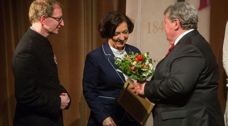 A Lenkey házaspár kapta idén a Tisztes polgár kitüntetést. Fotó: Babai István/Paksi Polgámesteri Hivatal