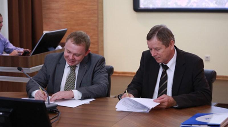Jevgenyij Szalkov és Hamvas István. Fotó: Atomenergiainfo.hu