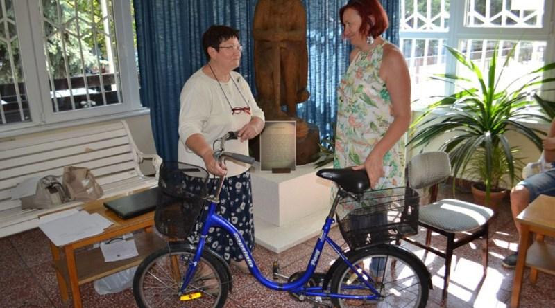 A laptop és a kerékpár is visszakerült jogos tulajdonosához. Fotó: Paksi Rendőrkapitányság
