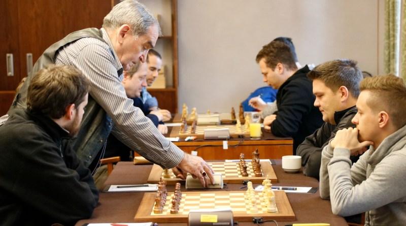 Sakk csapatbajnokság az Erzsébet Nagy Szállodában. Fotó: Molnár Gyula/Paksi Hírnök