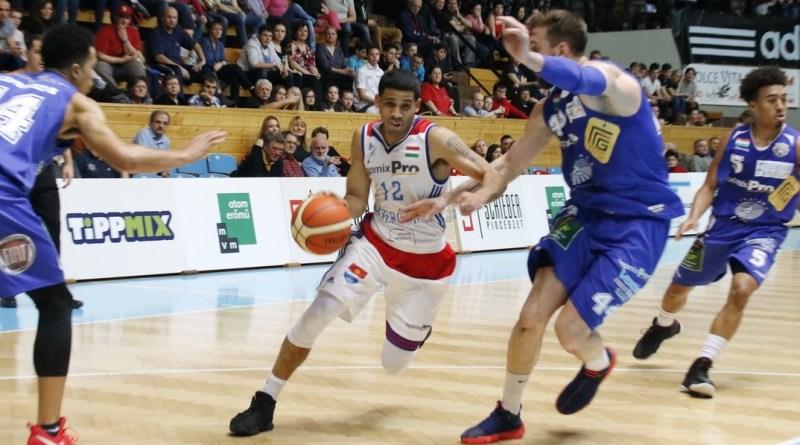 A bajnokság 19. fordulójában az Alba Fehérvárt látta vendégül az ASE. Fotó: Molnár Gyula/Paksi Hírnök