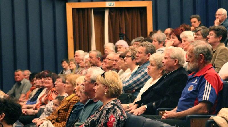 Baleset-megelőzési előadás nyugdíjasoknak. Fotó: Vida Tünde/Paksi Hírnök