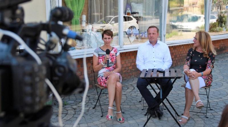 Czink Dóra, Szabó Péter és Vida Tünde a pénteki sajtótájékoztatón. Fotó: Babai István