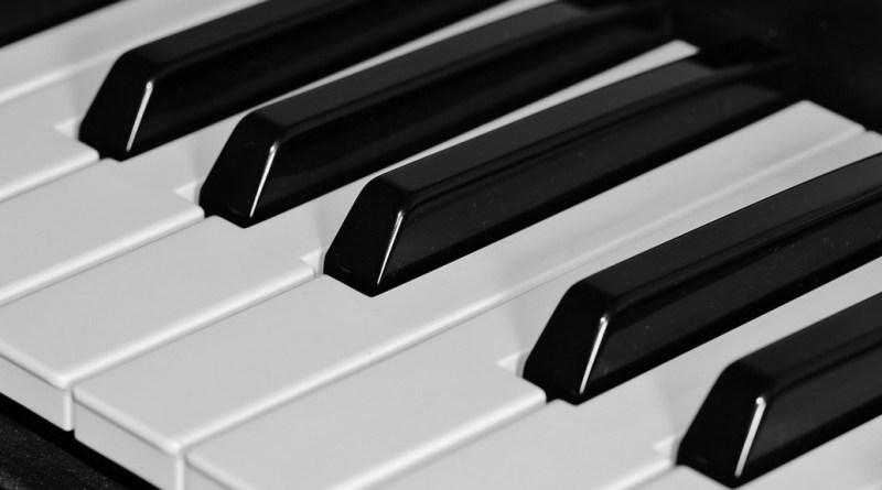 Paksi zenetanárt gyanúsítanak szexuális bűncselekmény. Fotó: Pixabay